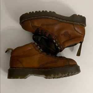 Dr. Martens Shoes - Auth Dr. Martens lace up leather ankle boots sz 8
